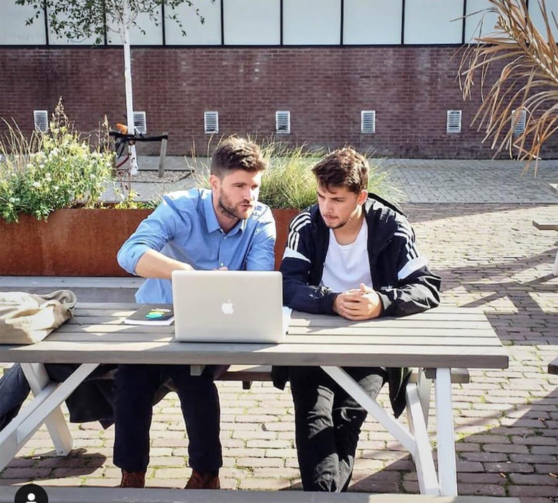Wij zijn I AM College en wij zien het als onze opdracht om van jou een ondernemer te maken.